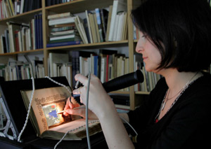 Dr Paola Ricciardi of the Fitzwilliam Museum, Cambridge, uses an ASD portable FieldSpec spectrometer for the FORS study of illuminated manuscripts