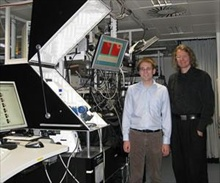 Matthias Wissert, PhD student at DFG Heisenberg Group, (left) and Hans Eisler (right) in the Lab